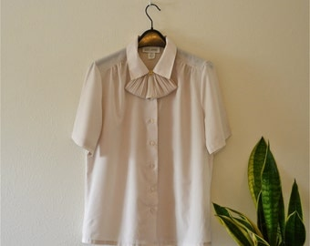 Vintage 1970s Neutral Beige Blouse -- Short Sleeve Button Up with Removal Ruffle -- Very Versatile!