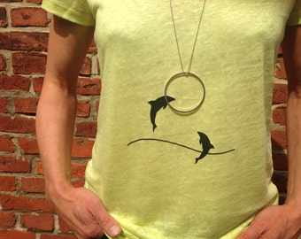 "t-shirt + necklace ""dolphins"""