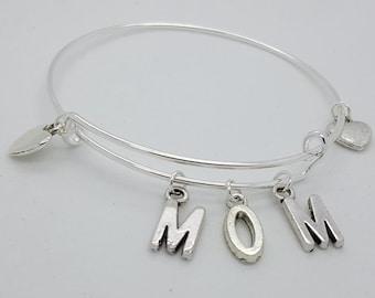Mom silver bangle, Mom charms bangle, mothers day gift, mom to be gift, mom and hearts silver bangle bracelet, mom bracelet, name bangle