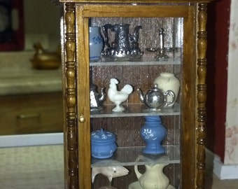 Dollhouse china curio cabinet with contents 1:12 Scale Item #17173