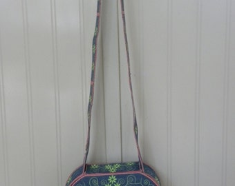 Embroidered, fully lined purse