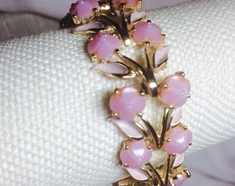 Vintage pink earrings and bracelet set demi parure