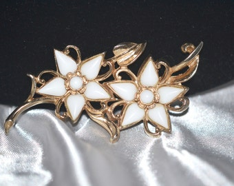 Vintage Signed Barclay White Milk Glass Double Flower Brooch