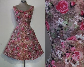 """Pretty late 1950s / early 60s fit and flare rose print dress bust 38"""" Goodwood"""