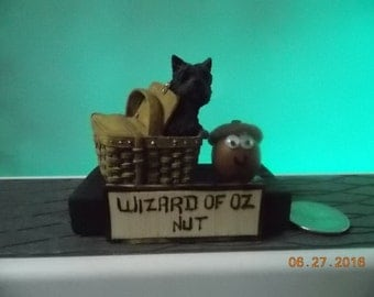 """Wizard of Oz Nut - What are you """"Nuts"""" about?"""