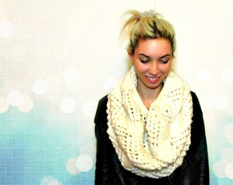 Knitted Cowl - Hand Knitted - Super Chunky Wool Cowl - Scarf