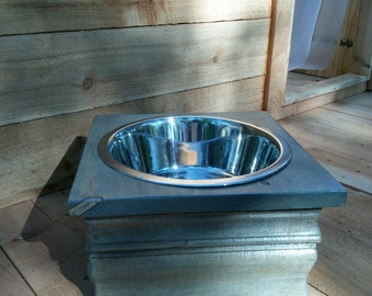 Single Large elevated food/water bowl
