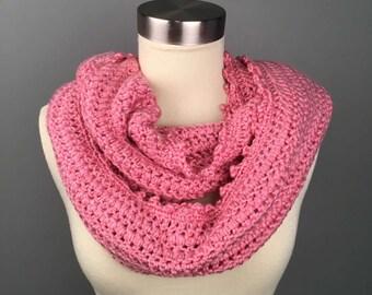 WOMEN'S CIRCLE Crochet Scarf, Crochet Infinity Scarf, Gifts for her, Scarves, Women's crochet scarf, Winter Accessories. Women's cowl.