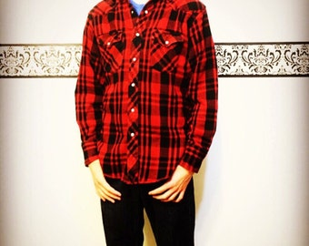 1990's Red and Black Men's Hipster Flannel by Wrangler, Medium,  Vintage Lumberjack Flannel by Wrangler, Men's Red Grunge Flannel