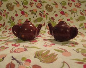 Vintage Ceramic Brown Tea Pot Salt and Pepper Shakers