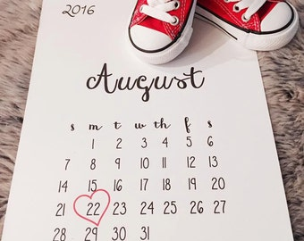Pregnancy Annoucement / Pregnancy Reveal Calendar with heart on date