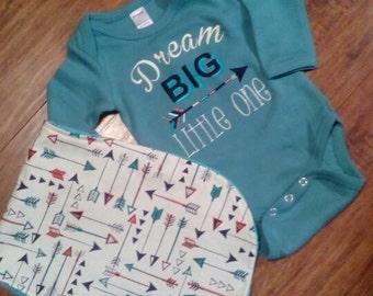 Dream Big onesie and burp set/Boys arrow onesi/Arrow onesie/Burp cloth