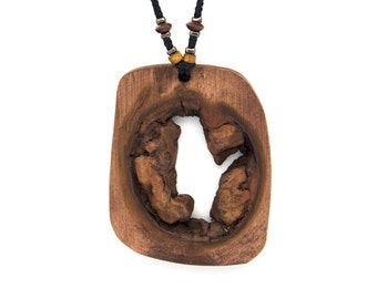Wooden pendant. Reclaimed wood. Eco-friendly. Wood knot. Hippie Boho. Wood necklace. Unique necklace. Maple wood.