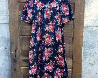 Vintage 70's Lovely Black Floral Print Mumu Style Dress size medium
