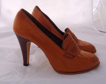 70s Cognac Leather Pumps Wooden Cuban Heels Moc Toe Penny Loafers Shoes Size 7 37