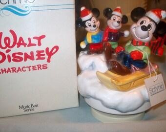 Vintage Walt Disney Schmid Music Box 1982 Christmas Winter Games, Mickey Mouse, Box
