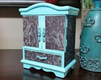 Jewelry Box, Shabby Chic Jewelry Box, Vintage Jewelry Box, Aqua, RobinsStudio, Rustic, Cottage Chic, Vintage, Recycled, Country, Decoupage