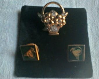 Pin   Brooches x3  collectable