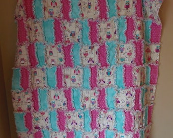 Adorable Owl's 3 Layer Flannel Rag Quilt