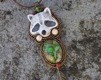"Pendant Necklace Native American totem animal ""Arakum"""