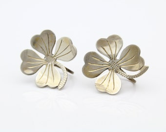 VTG Sterling Silver Shamrock Lucky 4 Leaf Clover Engraved Screwback Earrings. [7382]