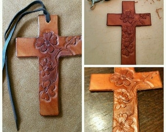 Cowboy cross with dogwood blooms