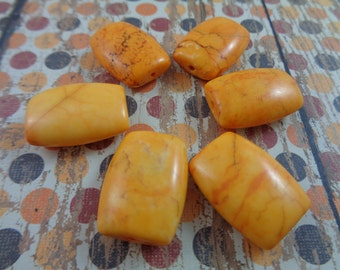 1 Beautiful Bold Yellow Stone Bead 20x15mm Rectangle Rounded Edges Tapered Flat Smooth Bead Bright Yellow Orange Smooth Focal Bead Golden