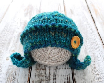 Newborn knitted Hat. Hat with button. Photo prop Hat.