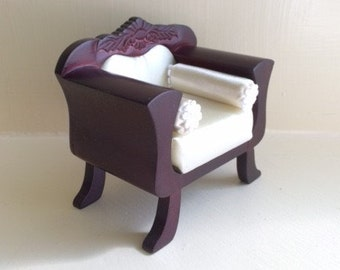Cherry and White Satin Fancy Chair
