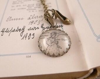 Vintage Necklace - Lady