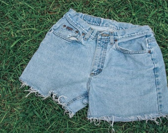 Vintage Women's Denim Cutoff Shorts (S/M)