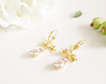 """Earrings """"Akulina"""" golden brass & cabochon"""
