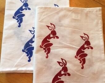 Dancing bunnies towel set of 2