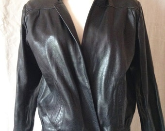 Jacket / jacket vintage black leather, T 38 / 40.