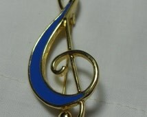SALE Blue Enamel Musical Note brooch, vintage Gold musical scarf pin, Music Lovers gift, Budget Bling Gift for her, Gingerslittlegems