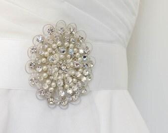 wedding belt, Swarovski brooch, wedding sash belt, bridal brooch, Swarovski brooch, bridal sash belt, pearl sash belt,  wedding belt