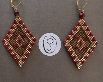Earrings ethnic diamonds in shades of gold, Burgundy and camel in pearls myuiki delicas