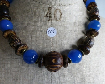 Necklace of brown en blue