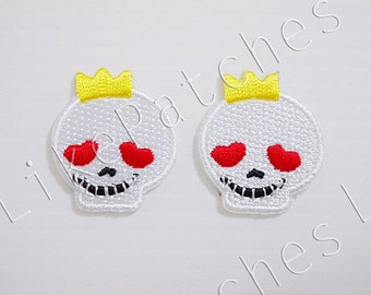 Set 2pcs. White Skull Patch - White Funny Skull Mini Patch - Cute Patches New Sew / Iron On Patch Embroidered Applique Size 2.5cm.x2.9cm.