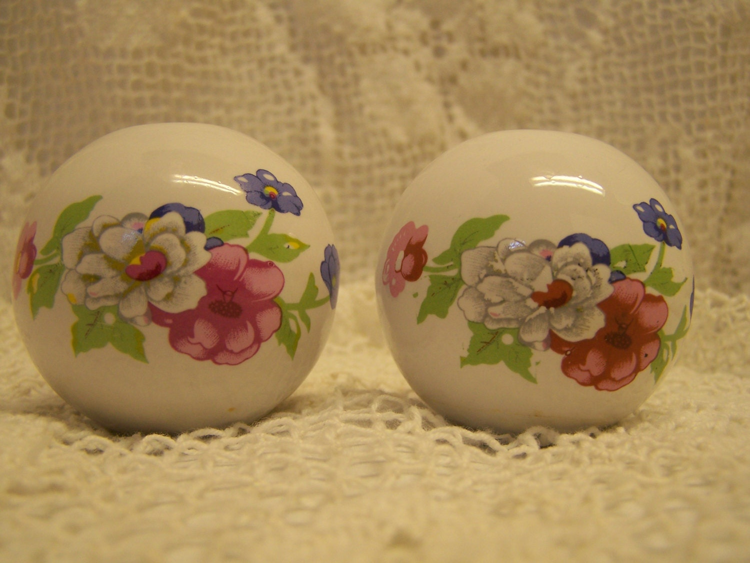 Set of 2 Replacement Bed Post Knobs White Pink Lavendar White