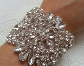 Luxury vintage style crystal bracelet/cuff, bride cuff, rhinestone bracelet wedding cuff bridesmaid bracelet bride bracelet cuff