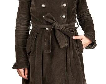 Manteau gothique victorien hiver cintré vintage personnalisable