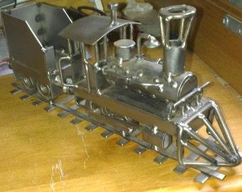 Hinz & Kunst Train locomotive steel sculpture