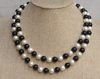 Pearl necklace,Black and ivory single pearl necklace,wedding necklace,bridesmaid  necklace,Glass pearl jewelry,wedding gift, Pearl Necklace,