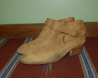 Women Size 11 Vintage Clarks Camel Brown Ankle Boots
