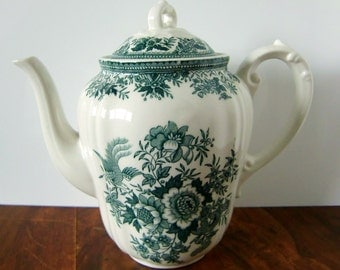 VILLEROY & BOCH 'Fasan' Green and White Porcelain Tea Pot with a Lid // German Transferware