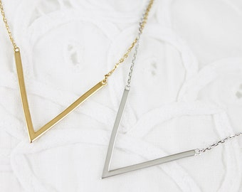925 Sterling Silver V pendant Necklace  Bridesmaid Gift Bridesmaid Necklace Dainty and Stylish Necklace Birthday Gift