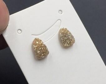 Champagne Druzy Stud Earrings Tiny Agate Druzy Post Earrings Teardrop Druzy Earrings Dazzling Agate Drusy Druzy Ear Suds 1pair DE
