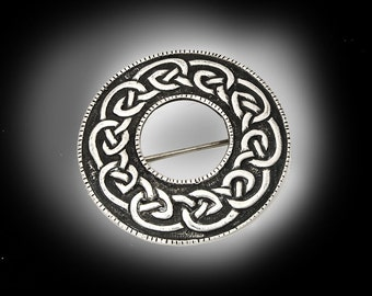 sterling silver brooch Celtic knot signed IONA Scotland