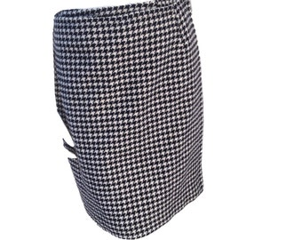 Black and White Houndstooth Wool Blend Wraparound Mid-Calf Skirt - Size 14P